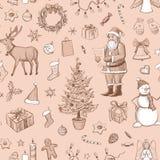 Nahtloses Weihnachtsmuster auf einem beige Hintergrund Hand gezeichnet Lizenzfreie Stockfotografie