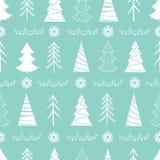 Nahtloses Weihnachtsmuster mit weißen Tannenbäumen, Schneeflocken, Girlanden Stockfotografie