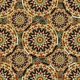 Nahtloses wiederholendes Muster von farbigen Mandalen Lizenzfreie Stockfotografie