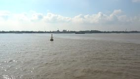 Nai ήχων καμπάνας ποταμός απόθεμα βίντεο