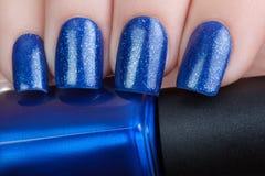 Nailpolish azul Foto de archivo libre de regalías