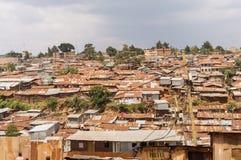 Nairobi, Kenia, afrique-03/01/2018 Mening van de krottenwijk van Nairobi royalty-vrije stock foto's