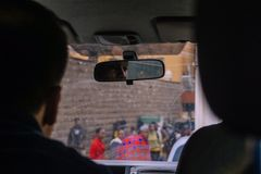 Nairobi, Kenia - September 14, 2017: Auto het drijven door Nairobi stock foto
