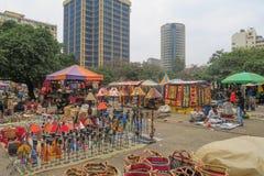 Nairobi Kenya - 5 septembre 2017 : Vases et objets de métier sur a image stock