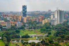 Nairobia linii horyzontu drapaczy chmur miasta widok obraz stock