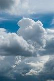 Naissance de nuage noir Images libres de droits