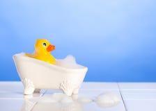 Naissance du canard en caoutchouc Image stock
