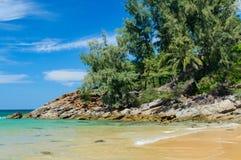 Naithon strand på den Phuket ön, Thailand royaltyfria foton