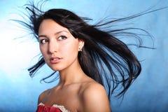 Naiver Blick. Haarbewegung lizenzfreie stockfotos