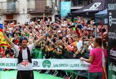 Najlepszy śladu biegacz na całym świecie, Mr Kilian Jornet, świętuje jego pierwszy pozycję na definitywnej rasie niebo biegacza m Zdjęcie Stock