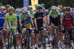 Najlepszy cykliści w świacie przygotowywają brać na drugi nodze Obrazy Royalty Free