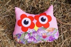 Najlepszy handmade prezent sowy poduszki patchwork zdjęcia stock