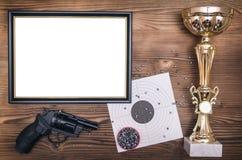 Najlepszy strzelającego dyplom Najpierw miejsce zwycięzca w strzelaninie obrazy royalty free