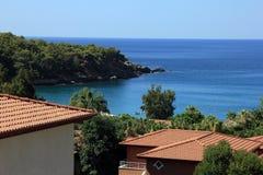 Najlepszy widok na tureckim hotelu, dennym wybrzeże i morze śródziemnomorskie Zdjęcia Stock