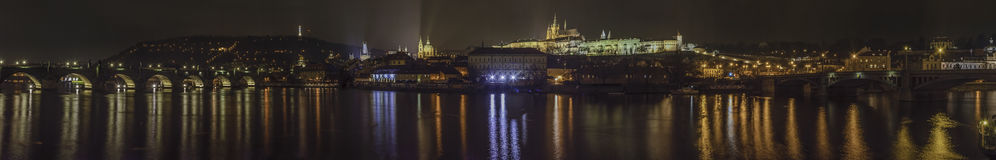 Najlepszy widok Prague nocą fotografia stock