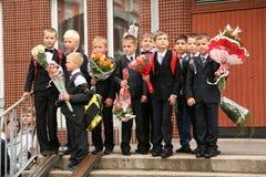 najpierw dzwoni Wrzesień 1, wiedza dzień w rosjanin szkole Dzień wiedza pierwszy dzień szkoły Zdjęcie Royalty Free