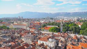 najpierw katolik Croatia przedstawił masowego księdza rozszczepiającego, co mówi
