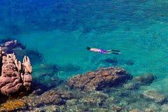 Najwięcej pięknej wyspy w Europa Jasna woda w morzu śródziemnomorskim Costa Paradiso obraz royalty free