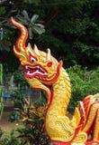 Naka im thailändischen Tempel lizenzfreie stockfotografie