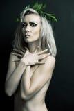 naken ståendekvinna Arkivfoto