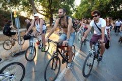 Naket cykellopp i Thessaloniki - Grekland royaltyfri bild