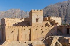 Nakhal fort, i Nakhal, Oman royaltyfri foto
