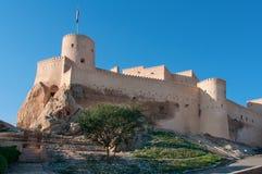 Nakhal fort i Oman. arkivbild