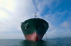 Nakhodka Rússia - 17 de setembro de 2015: ? CGM Mississippi de CMA do navio do ontainer no ancorado nas estradas Foto de Stock