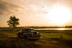 Nakhon Ratchasima, ΤΑΪΛΑΝΔΗ - 13 Ιουνίου: Αναδρομικό εκλεκτής ποιότητας αυτοκίνητο Desoto Στοκ Εικόνα