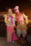 NAKHON RATCHASIMA, ТАИЛАНД - 11-ОЕ ИЮЛЯ: Группа в составе тайские танцоры p Стоковая Фотография