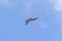 NAKHON RATCHASIMA 27 DE NOVIEMBRE: La exhibición de las acrobacias aéreas compartidas Foto de archivo
