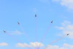 NAKHON RATCHASIMA 27 LISTOPAD: Pokaz aerobatics dzielący Zdjęcia Stock