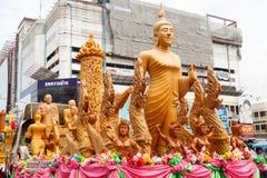 NAKHON RATCHASIMA, TAILÂNDIA - 12 DE JULHO: A vela tradicional p Imagens de Stock