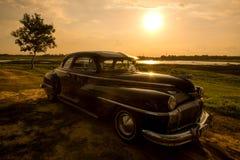 Nakhon Ratchasima THAILAND - JUNI 13: Desoto retro tappningbil Arkivfoton