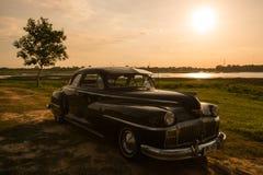 Nakhon Ratchasima THAILAND - JUNI 13: Desoto retro tappningbil Royaltyfri Bild