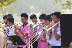NAKHON SAWAN TAJLANDIA, LUTY, - 17: Niezidentyfikowany azjatykci uczeń zdjęcia royalty free