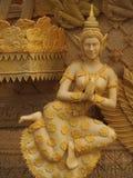 NAKHONRATCHASIMA THAILAND - JULI 19: Stearin som snider ängel T Arkivbild