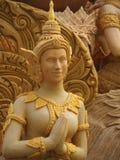 NAKHONRATCHASIMA THAILAND - JULI 19: Stearin som snider ängel T Arkivbilder