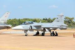 Nakhonratchasima, THAILAND am 27. November 2015: F16 Gripen und Au Stockfotografie