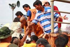 NAKHONSAWAN - 13 OKTOBER: De mensen die in het gebied leven, hebben een hoge vloed Royalty-vrije Stock Foto