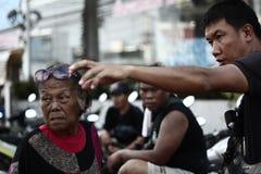NAKHONSAWAN - 13 OKTOBER: De mensen die in het gebied leven, hebben een hoge vloed Royalty-vrije Stock Fotografie