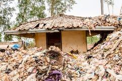 NAKONPANOM, THAÏLANDE - 22 AVRIL : Élimination des déchets municipale Image libre de droits