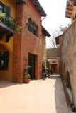 NAKORN RATCHASIMA THAILAND -2014 AM 25. FEBRUAR: Primo Piazza Khao Yai, italienisches Artgebäude des Tuscana-Dorfs Lizenzfreies Stockfoto