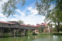 Nakornpathom, TH 8 de setembro: O palácio real do rei tailandês em setembro Imagem de Stock Royalty Free