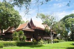 Nakornpathom, TH 8 de setembro: O palácio real do rei tailandês em setembro Fotografia de Stock
