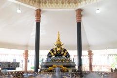 NAKORNPATHOM THAILAND - JULI 5, 2014: Thailändskt och indiskt gudnamn Arkivbilder
