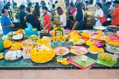 NAKORNPRATOM THAILAND - OCTOBER 23 : People praying buddha in te Royalty Free Stock Images