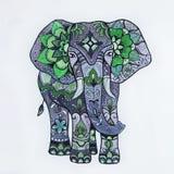 Nakreślenie purpurowy słoń z pięknymi wzorami Obrazy Royalty Free