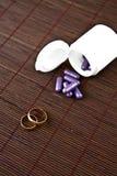 nakrywa target1558_0_ purpur pierścionków target1561_1_ Zdjęcie Royalty Free