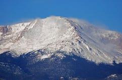 nakrywający halnego szczytu śnieg Obrazy Royalty Free